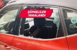İzmir'de park halindeki otomobilden para ve...