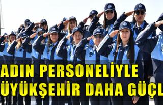 İzmir'e Kadın Eli Değiyor