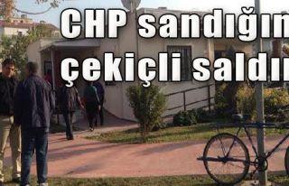 CHP Sandığına Çekiçli Saldırı