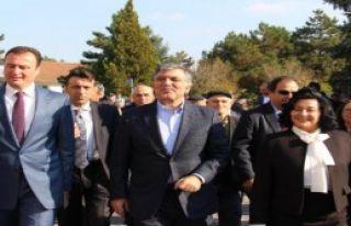Abdullah Gül'e Evrensekiz'de Yoğun İlgi