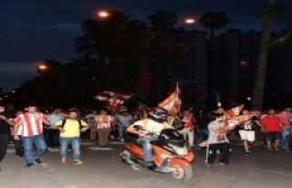 Adana'da Şampiyonluk Coşkusu