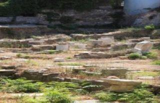 Arkeopark Kaderine Terk Edildi
