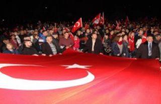 Balıkesir'de CHP'li Gençlerden Fener Alayı