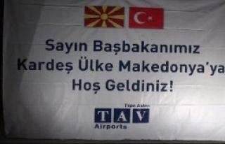 Başbakan Davutoğlu Makedonya'da