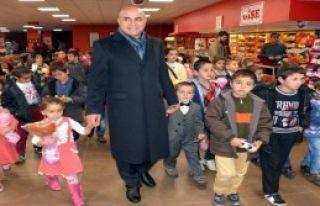 Başkan'dan Çocuklara Sürpriz