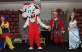 Bayraklı'da Tiyatro Şenliği