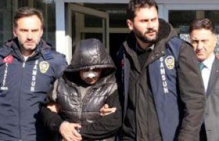 Samsun'da Bıçaklı Alacak Kavgası: 2 Yaralı