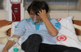 Öğrenciler Gıda Zehirlenmesi Şüphesiyle Hastaneye...