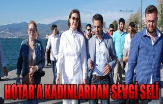 Hotar İzmirli İle Kucaklaştı!