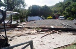 Çatı Çöktü: 1 Ölü, 1 Yaralı