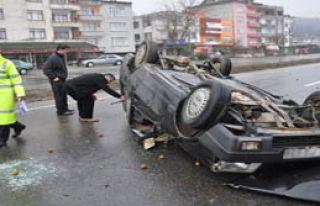 Araç Takla Attı: 3 Ölü 2 Yaralı