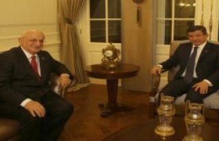 Davutoğlu, Ak Parti Meclis Başkanı Adayı Kahraman'ı...
