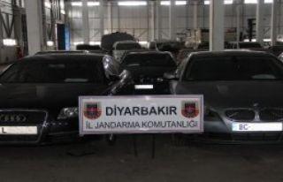 Diyarbakır'da 8 Lüks Araç Ele Geçirildi