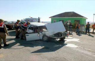 Kontrol Yapan Polislere Otomobil Çarptı