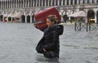 Venedik'te Alarm