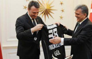 Gül, Beşiktaş Yönetimini Kabul Etti