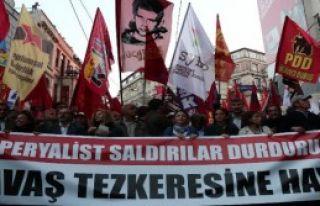 Meclis'te Görüşülecek Olan Tezkere Protesto Edildi