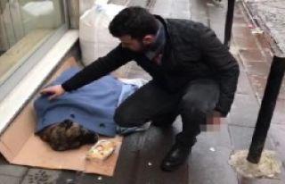 Hasta Sokak Köpeğine Esnaf Sahip Çıktı