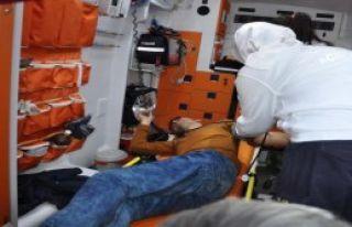 İslahiye'de Motosikletin Çarptığı Yaya Yaralandı