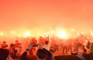 Karşıyaka'dan Meşaleli Protesto
