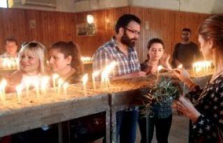 Kilisede Hıdırellez'i Kutladılar