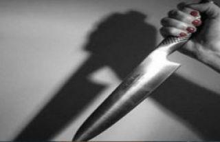 Kıskanç Kadın Eşini Bıçakladı