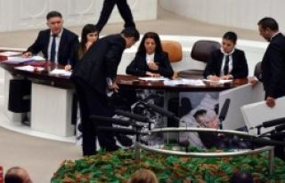 MHP'li Oğan Fotoğraflarla Anlattı