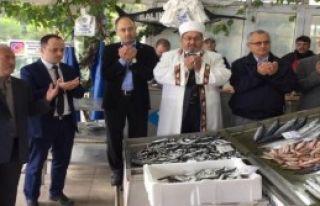 'Bol Ve Ucuz Balık' İçin Dua...