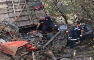 Niğde'de Trafik Kazası: 2 Ölü
