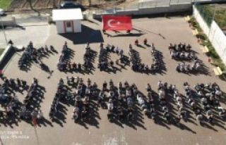 Öğrenciler Bedenleriyle 'Kudüs İslamdır' Yazdı