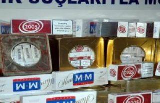 Peynir Tenekesi İçinden Kaçak Sigara Çıktı