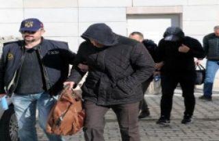 Fetö Şüphelisi 9 Polis Adliyede