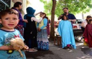 Savaşın Çocuklarına Makyaj