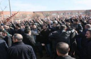 SDÜ'de Kavga: 4 Yaralı, 43 Gözaltı