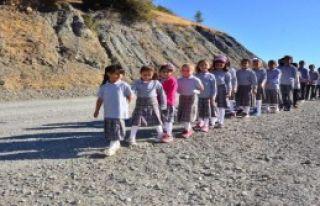 Velilerden Okula Gidemeyen Çocukları İçin Eylem