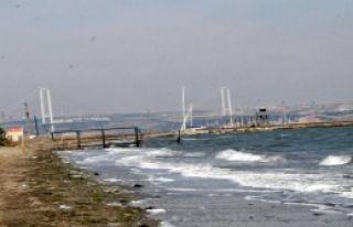 Balıkçı Teknesi Alabora Oldu; 2 Kişi Kurtuldu,...
