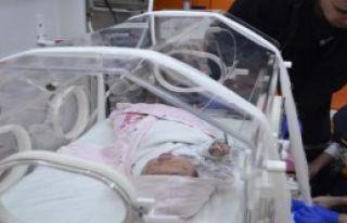 Bebeği Poşetle Sokağa Bıraktılar