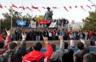 Yüksekova Şehitleri İçin Erzurum'da Yürüdüler