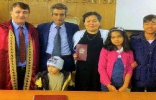 Müteahhit, Kırgızlı Savcı İle Evlendi