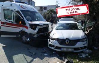 Kavşakta ambulansla otomobil çarpıştI