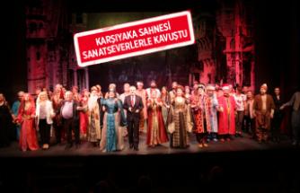 Devlet Tiyatroları Karşıyaka Ragıp Haykır Sahnesi coşkuyla açıldı