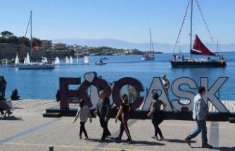 Foçalı yelkenciler, 18 Mart Çanakkale Zaferi'ni kutladı...