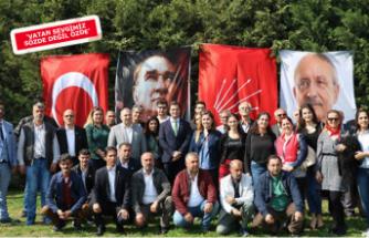 İzmir'de AKP'den CHP'ye geçen 500 kişi için tören düzenlendi