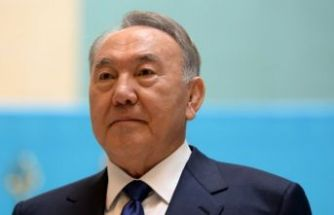 Kazakistan Cumhurbaşkanı istifa etti