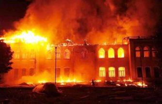 Tarihi okul cayır cayır yandı!