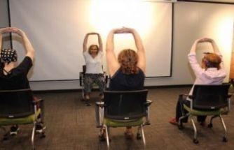 İzmir'de hastalara nefes ve yoga tedavisi