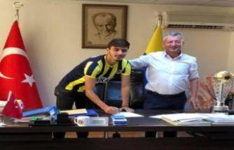 Menemenspor Can'la resmen imzaladı