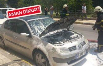 Noteri beklerken satın alacağı araba yandı