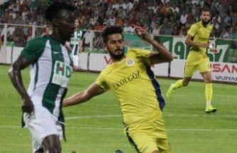Menemenspor'da genç Murat alkış topladı