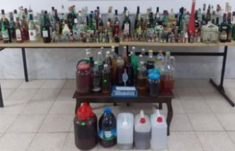 55 litre sahte içkiyle yakalandı!